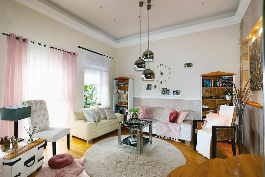 egy designer otthona - modern, de rusztikus nappali