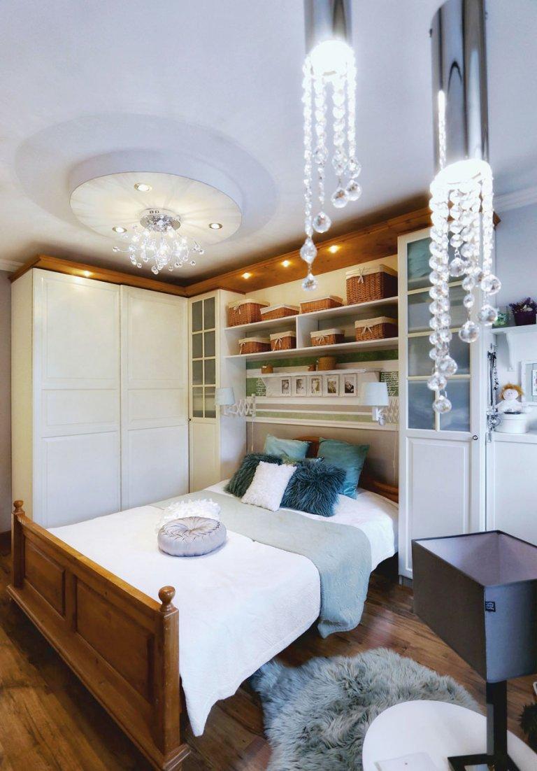 kristály függő lámpák a hálószobában