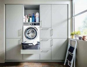 mosókonyhába beépített szekrény